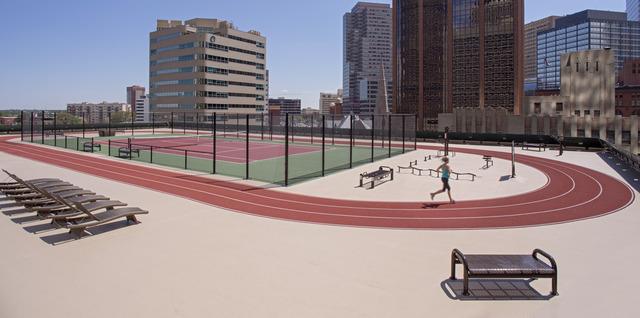DENRD_P083_Rooftop_Track_Runner